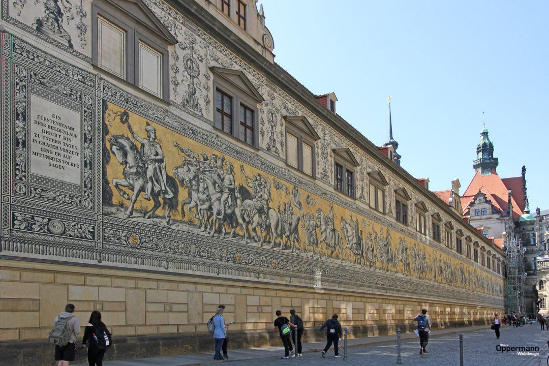 Dresden Fuerstenzug 01